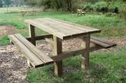 Table de pique nique campagnarde en bois - Longueur :2000 mm - Largeur :1730 mm - Adaptable aux PMR