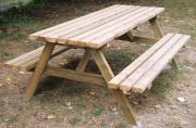 Table de pique nique forestière en bois