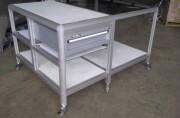 Table de travail en profilés aluminium - Table d'atelier sur-mesure en profilés aluminium modulaires