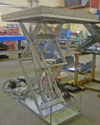 Table elevatrice inox - Hauteur maxi : de 800 mm à 4300 mm