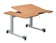 Table ergonomique 2 plateaux droite - 4 roulettes à freins