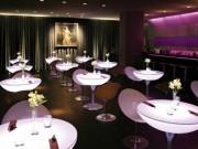 Table lumineuse LED multicolore - Largeur : 84 cm - Hauteur : 75 cm