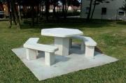 Table pique nique en béton - A monter ou livrée sur dalle  -  Deux modèles disponibles