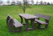 Table pique nique familiale - Dimension au sol (cm) : 180 x 200