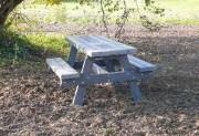 Table pique nique forestière - Dimensions (cm) : 200 x 136