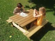 Table pique-nique pour enfant - Dimensions (Lxlxh) : 1150 x 1150 x 540 mm