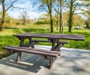 Table pique-nique rectangulaire en plastique recyclé - 2 Versions : Standard ou PMR