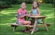 Table pique-nique standard - Capacité : 4 ou 6 places