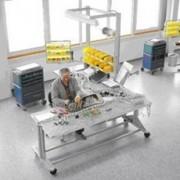 Table technique pour le câblage - Hauteur maximale : 2200 mm