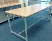 Table tri courrier avec rebord - Plateaux en mélaminé épaisseur 25 mm
