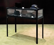 Table vitrine d'exposition - Dimensions (L x P x H) cm : 100 x 42 x 94