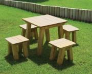 Tabouret d'extérieur en bois - Dimensions (H x P x L) cm : 40 x 45 x 42
