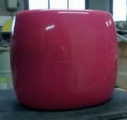 Tabouret pouf en polyester - Moulage et application du polyester