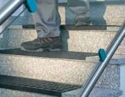 Tapis d'escalier antidérapant caoutchouc - Dimension (cm) : de 25x75 - Epaisseur (mm) : 7.5