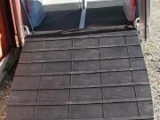 Tapis de hayon caoutchouc noir - Dimensions (H x L) : de 1.55 x 1.75 à 2.40 x 1.22 m