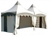 Tentes pour foires - Dimensions : 2.5 m x 2.5 m – hauteur maximale : 3.25 m - stand pliant en PVC – plusieurs habillages disponibles