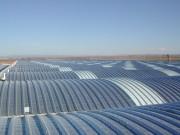 Toiture arrondie pour bâtiments industriels - Permet d'obtenir une luminosité intérieure importante