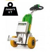 Tracteur pousseur sur batteries - Capacité de charge : jusqu'à 6 tonnes