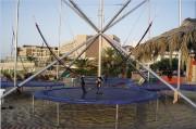 Trampoline élastique sur remorque - Hauteur : 8,00 mètres avec base acier inox