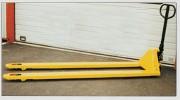 Transpalette grande fourche - Capacité (Kg) : 2000