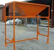 Trémie de remplissage - La hauteur est réglable en 5 positions au pas de 50 mm