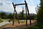Tyrolienne aire de jeux - Longueur : 20 à 30 m - Âge : 6 à 12 ans