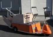 Véhicule électrique assis debout - Charge totale : 300 kg maximum