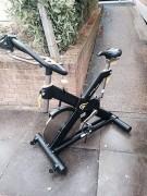 Vélo spinning - Dimensions (L x l x h) : 219 x 96 x 149 cm