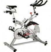 Vélo spinning à freinage magnétique - Spin bike avec moniteur et mesure de fréquence cardiaque