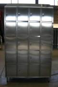 Vestiaire multicases 20 portes inox - Dimensions (L x P x H) mm :1200 x 400 x 2160