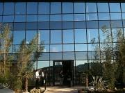 Vitrage protection solaire et thermique - Aspect bleuté de l'extérieur