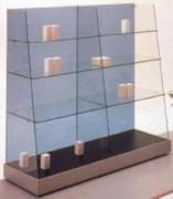Vitrine d'exposition avec 6 étagères en verre - Dimensions 150 x 46,5 x 133H cm