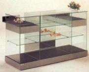 Vitrine d'exposition en verre à portes coulissantes - Dimensions 162 x 62,5 x 95H cm