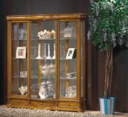 Vitrine d'exposition laquée pour objets en bois - Dimensions : (H x L x P) : 150 x 136 x 36 cm