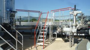 Escaliers à palier double accès sur site pétrochimique - Devis sur Techni-Contact.com - 1
