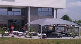 Abri terrasse restaurant à toile aérée - Devis sur Techni-Contact.com - 2