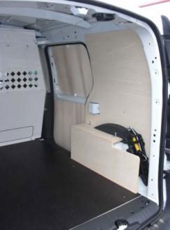 Agencement en contreplaqué pour Renault Trafic - Devis sur Techni-Contact.com - 2