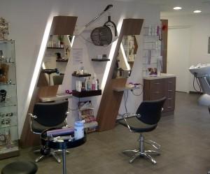 Aménagement en bois pour salon de coiffure  - Devis sur Techni-Contact.com - 1