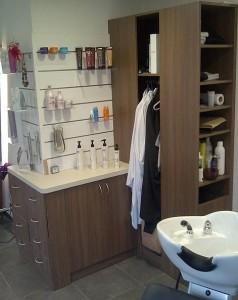 Aménagement en bois pour salon de coiffure  - Devis sur Techni-Contact.com - 3