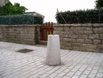 Borne granit cônique - Devis sur Techni-Contact.com - 1
