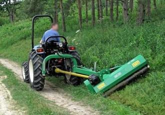 Broyeur d'accotement pour l'herbe et l'élagage - Devis sur Techni-Contact.com - 2