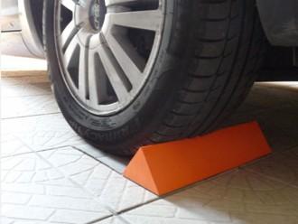 Butée cale roue mousse plastique - Devis sur Techni-Contact.com - 2