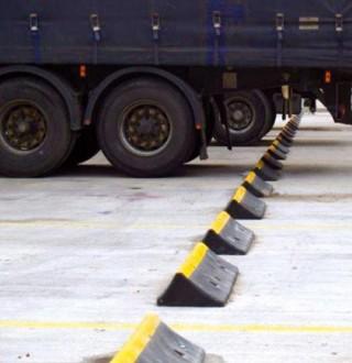 Butée de parking pour camion - Devis sur Techni-Contact.com - 1