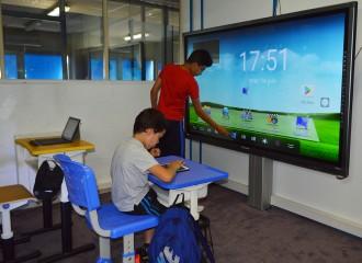 Chaise et bureau scolaire multimédia - Devis sur Techni-Contact.com - 2