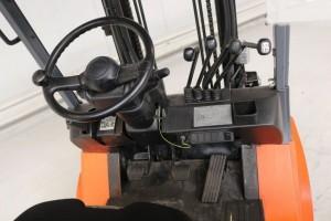 Chariot élévateur d'occasion gaz Toyota 3000 kg - Devis sur Techni-Contact.com - 3