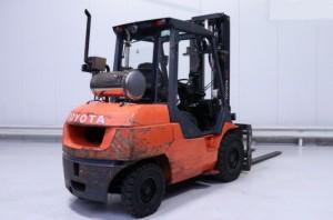 Chariot élévateur occasion diesel Toyota 5000 kg - Devis sur Techni-Contact.com - 2