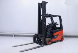 Chariot élévateur occasion électrique Linde 3000 kg - Devis sur Techni-Contact.com - 1