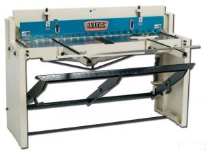 Cisaille à commande au pied longueur de coupe maxi 1320 mm - Devis sur Techni-Contact.com - 1