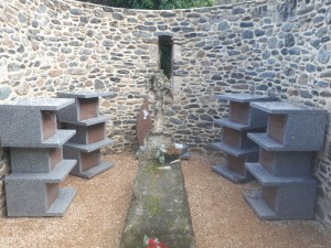 Columbarium en forme de colonnes avec jardin du souvenir - Devis sur Techni-Contact.com - 9