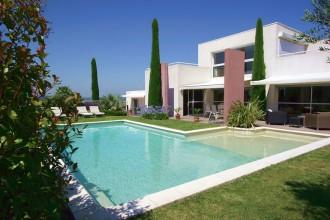 Construction piscine de luxe pour professionnels - Devis sur Techni-Contact.com - 1